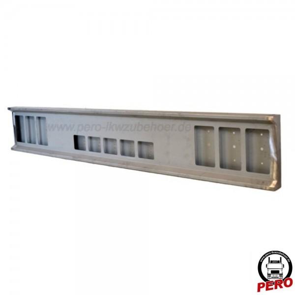Heckstoßstange mit 6+5 Lampenausschnitten eckig, Stahl verzinkt